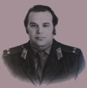 mitterand-debarque-47-diplomates-sovietiques-de-lambassade-russe-a-parisvladimir-ippolitovitch-vetrov-1-