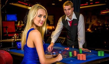 Казино рояль игровые автоматы без регистрации скачать бесплатно игру игровые автоматы баня через торрент