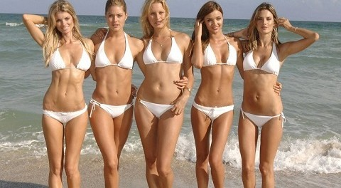 Нет прекрасней в этом мире пышных девушек в бикини