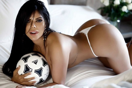 Легендарная Сьюзи Кортес всех зовёт на футбол