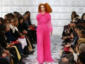 Как нынче выглядит высокая женская мода из Парижа. Или что это на**й такое?
