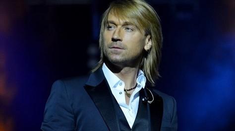 Известного украинского певца обвинили в антихристианстве