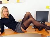 Как иногда хорошо быть боссом, когда возле тебя горячая секретарша Мелани Уолш (14 фото)