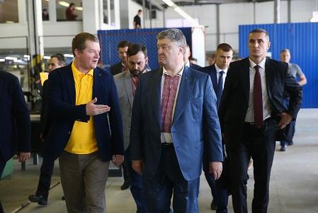 Макс Поляков провел встречу с Петром Порошенко и показал исследовательский центр