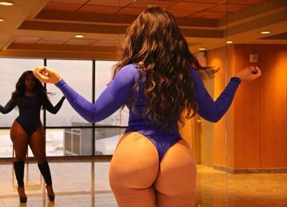 Эксперт Роман Старов предупреждает: активные девушки с крупными попами опасны в постели (27 фото)