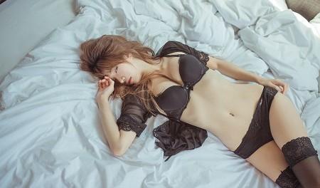 Прикрывалась, как могла - японка Надин продемонстрировала оригинальный стиль (25 фото)