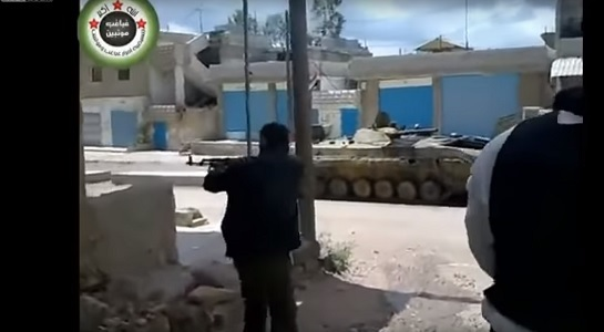 Солдату оторвало пол лица во время боя - видео 18+