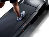 Как использовать беговую дорожку для поддержания физической формы