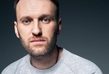 Алексея Навального госпитализировали с подозрением на отравление химвеществом