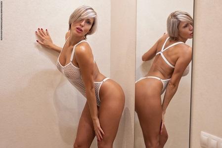Танита в голом виде порадовала идеальной структурой тела (45 фото)