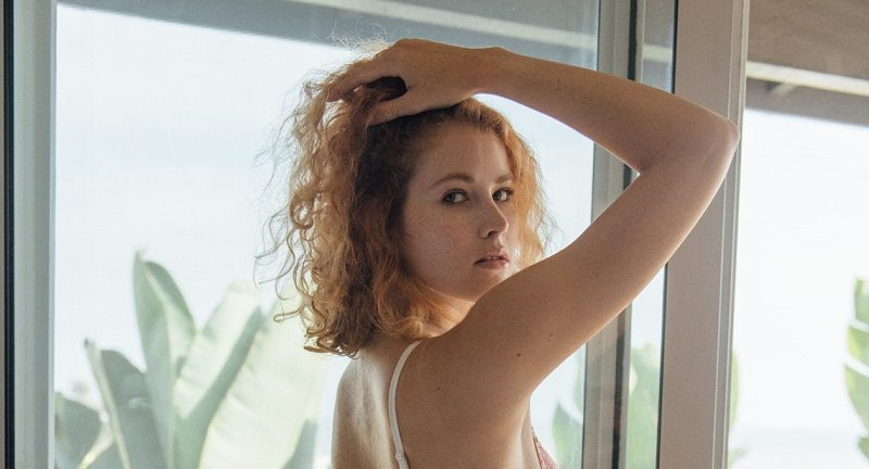 Американка Хайди Ром провела эффектные голые съёмки (13 фото)