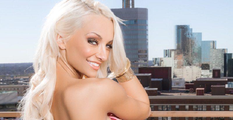 Кто из апрельских моделей Playboy сумел заинтриговать общественность (24 фото)