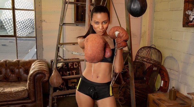 Фатима Кодзима успешно разделась для Playboy на боксерской тренировки (26 фото)