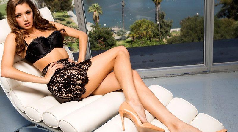 Любительница гонок Алисса Арк обнажила грудь ради Playboy (38 фото)