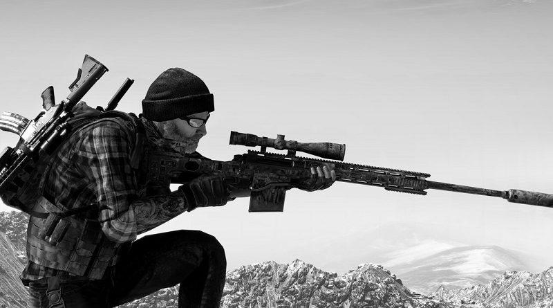 Снайпер находится в осеннем лесу. Обнаружить стрелка будет непросто