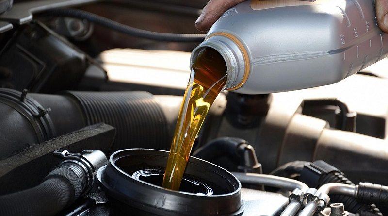 Для чего необходимо моторное масло 10w40 и где купить в Киеве онлайн