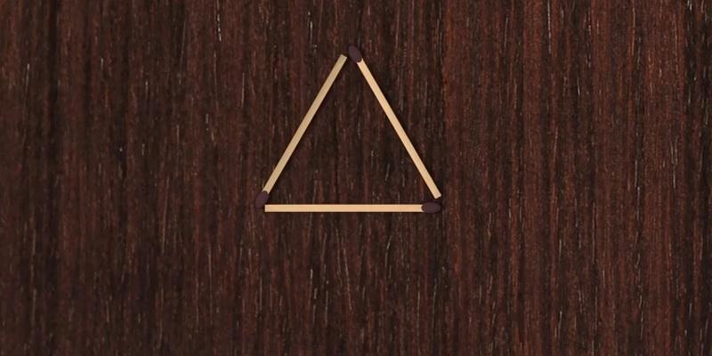 Сделайте из одного треугольника четыре - добавив три спички