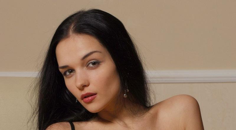 Евгения Диордийчук использовала чёрный комплект нижнего белья (77 фото)