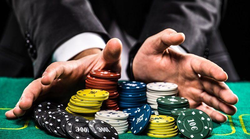 Какой контент содержит официальный сайт Rox casino